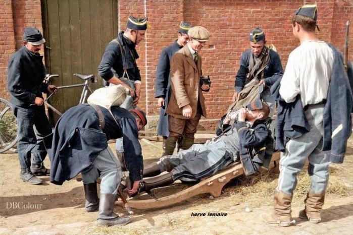 LES FUSILLIERS MARINS ET SOLDATS BELGES .