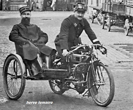 LA MOTOCYCLETTE .
